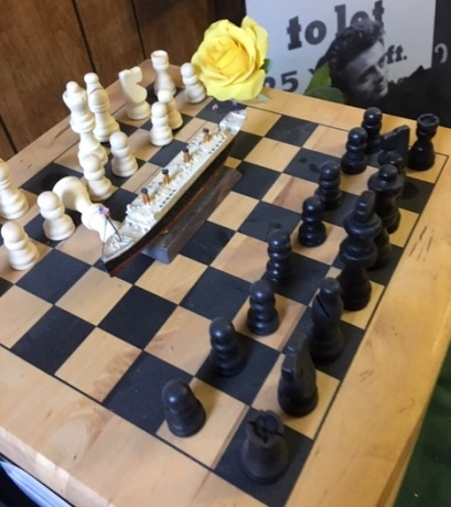 chessmate plays